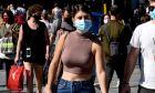 Υποχρεωτική η χρήση μάσκας και στους εξωτερικούς χώρους - Στιγμιότυπα από το κέντρο της Αθήνας, Σάββατο 24 Οκτώβρη 2020 (ΔΑΓΑΛΑΚΗΣ ΓΙΩΡΓΟΣ / EUROKINISSI)