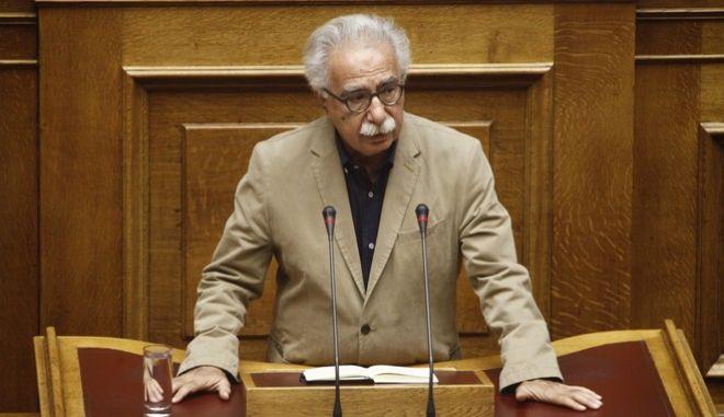 """Συζήτηση και ψήφιση επί της αρχής, των άρθρων και του συνόλου του σχεδίου νόμου του Υπουργείου Παιδείας, Έρευνας και Θρησκευμάτων """"Ελληνικό Ίδρυμα Έρευνας και Καινοτομίας και άλλες διατάξεις"""" την Δευτέρα 17 Οκτωβρίου 2016. (EUROKINISSI/ΓΙΩΡΓΟΣ ΚΟΝΤΑΡΙΝΗΣ)"""