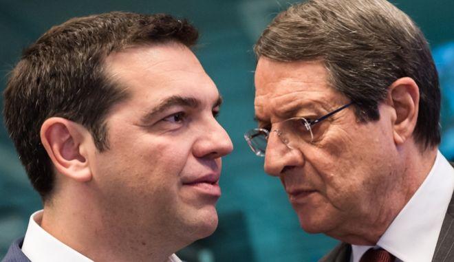 Ο Αλέξης Τσίπρας και ο Νίκος Αναστασιάδης στη Σύνοδο Κορυφής στις Βρυξέλλες
