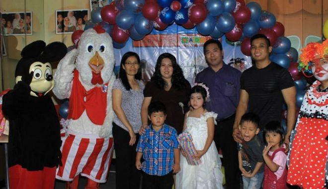 AirAsia: Δεκαμελής οικογένεια σώθηκε ως εκ θαύματος από τη μοιραία πτήση