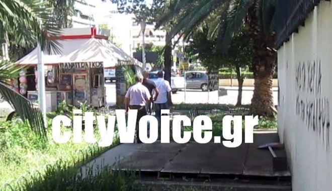 Ελεύθερος ο αστυνομικός πρώην φρουρός του Κ. Μπαρμπαρούση
