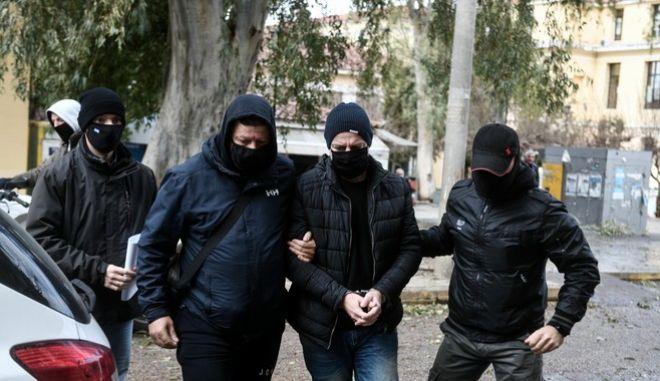 Στην Ευελπίδων οδηγήθηκε την επομένη της σύλληψής του ο Δημήτρης Λιγνάδης
