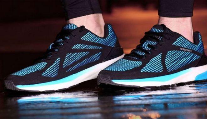 Νέα έξυπνα αθλητικά παπούτσια από την 'Apple της Κίνας'