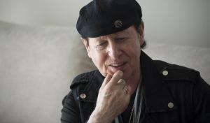 """Ο Κλάους Μάινε των Scorpions παραδέχεται στο News 24/7: """"Οι Έλληνες είναι τρελοί! Αλλά έτσι μας αρέσουν"""""""