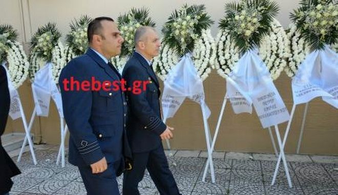 Θρήνος στην κηδεία του πιλότου Τάσου Σταματάκη