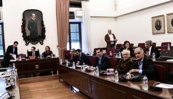 Συνεδρίαση της Ειδικής Κοινοβουλευτικής Επιτροπής προς διενέργεια προκαταρκτικής εξέτασης σχετικά με τη διερεύνηση αδικημάτων που τυχόν έχουν τελεσθεί από τον πρώην Αναπληρωτή Υπουργό Δικαιοσύνης Δημήτριο Παπαγγελόπουλο.