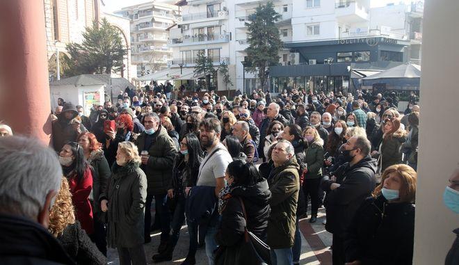 Παυλάκης: Το lockdown είναι μούφα, δεν εφαρμόζεται
