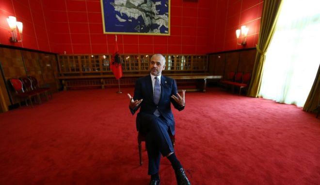 Ο Ράμα, οι Αρβανίτες και ο εθνικιστικός βομβαρδισμός της Ακρόπολης