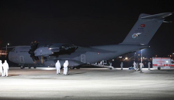 Αεροπλάνο προσγειώθηκε στην Τουρκία από την Ουχάν