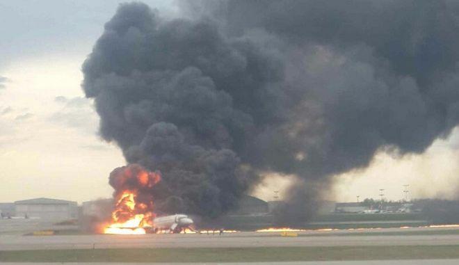 Μόσχα: Μόνο 37 από τους 78 επιβαίνοντες επιβίωσαν στη συντριβή αεροσκάφους