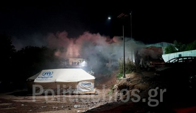 Χίος: Νύχτα έντασης στη ΒΙΑΛ, θάνατος 49χρονης τρόμαξε τους μετανάστες