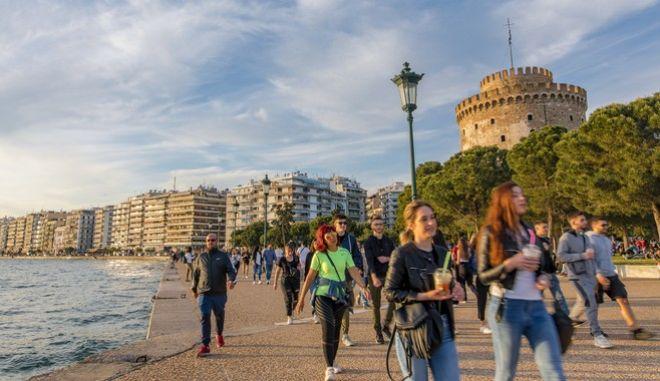 Θεσσαλονίκη: Ανακοινώθηκαν οι παραλίες όπου επιτρέπεται το κολύμπι