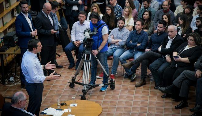 """Ο Πρωθυπουργός, ΑλέξηςΤσίπρας, κατα την επίσκεψή του στο Εθνικό Κέντρο Έρευνας Φυσικών Επιστημών """"Δημόκριτος"""" και το Τεχνολογικό Πάρκο """"Λεύκιππος"""""""