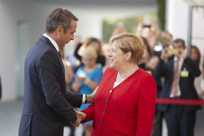 Η πρώτη συνάντηση Μητσοτάκη-Μέρκελ στο Βερολίνο