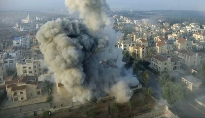 Συρία: Ισχυρή έκρηξη σε στρατόπεδο ανταρτών με 23 νεκρούς