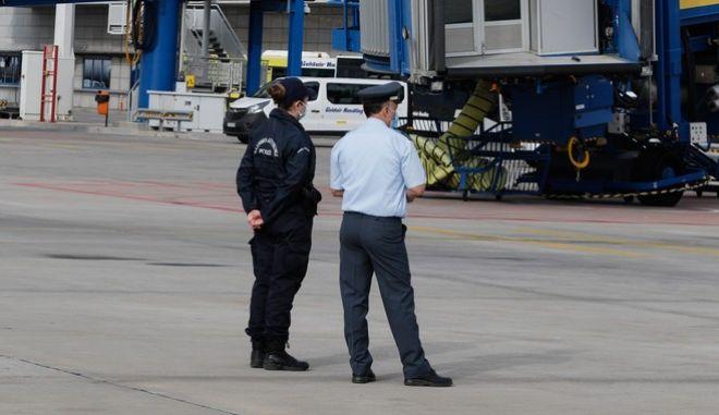 Αστυνομικοί στο αεροδρόμιο «Ελ. Βενιζέλος»