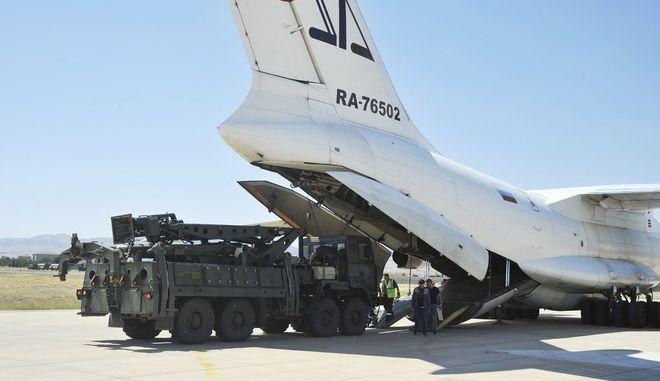 Τμήματα του αντιπυραυλικού συστήματος S-400 φτάνουν στην Άγκυρα από τη Ρωσία τον Αύγουστο του 2019