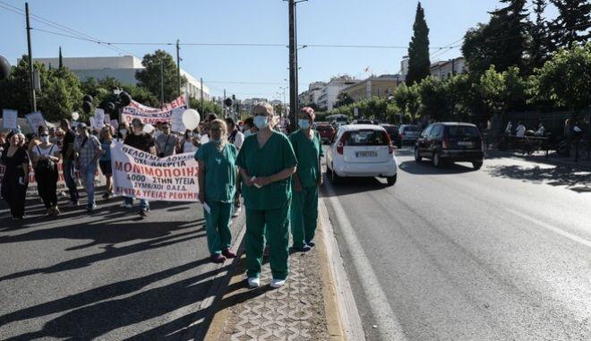 Νοσοκομειακοί γιατροί σε απόγνωση - Πανελλαδική απεργία την Πέμπτη