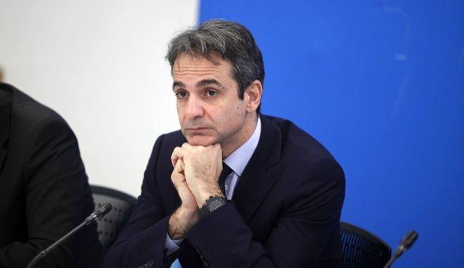 Συνέντευξη Τύπου του προέδρου της Νέας Δημοκρατίας Κυριάκου Μητσοτάκη και του αντιπροέδρου του κόμματος, υπεύθυνου για το κυβερνητικό πρόγραμμα, Κωστή Χατζηδάκη, την Παρασκευή 26 Φεβρουαρίου 2016. (EUROKINISSI/ΓΙΩΡΓΟΣ ΚΟΝΤΑΡΙΝΗΣ)