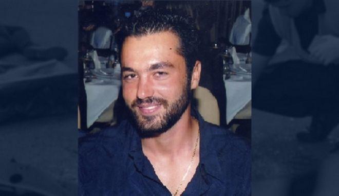 Ο Γιώργος Ξυδάκης 37 χρόνων, έχασε τη ζωή του σε ένα περίεργο τροχαίο ατύχημα