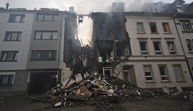 25 τραυματίες από έκρηξη σε κτίριο διαμερισμάτων