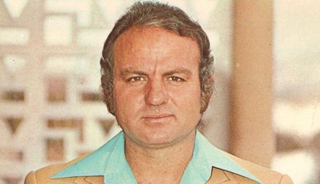 Πέθανε ο λαϊκός τραγουδιστής Μάνος Παπαδάκης