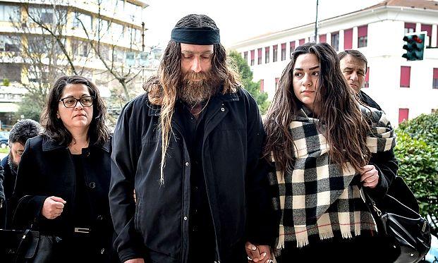 Ο πατέρας του Βαγγέλη Γιακουμάκη στα δικαστήρια των Ιωαννίνων