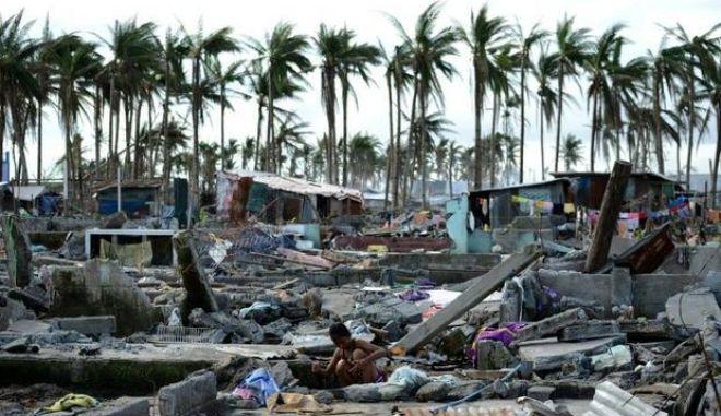 Ο τυφώνας Κοπού πλήττει τις Φιλιππίνες: Καταστράφηκαν σπίτια, ενώ έχουν εκτοπιστεί 10.000 άνθρωποι