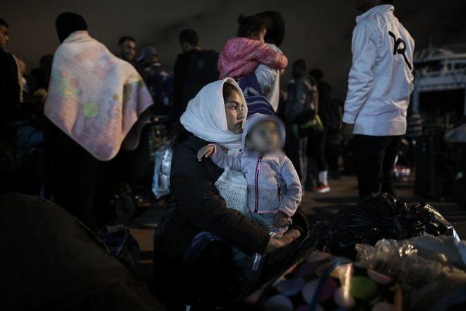Άφιξη προσφύγων στο λιμάνι του Πειραιά