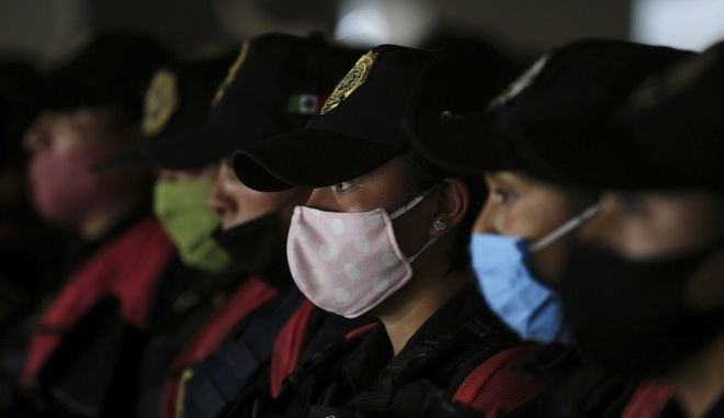 Αστυνομικοί με μάσκες στο Μεξικό