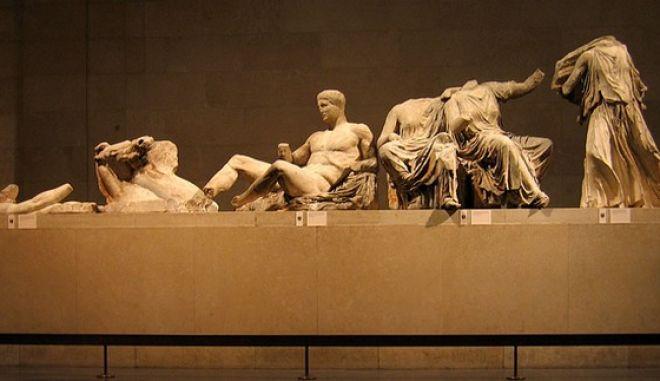 O Τσίπρας έθεσε στη Μέι το θέμα της επιστροφής των μαρμάρων του Παρθενώνα