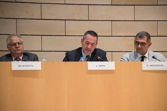Ο Δημήτρης Μάρης κατά την ομιλία του στην εκδήλωση «Ηλεκτρονική διακυβέρνηση και Ψηφιακές Υπηρεσίες προς τις Επιχειρήσεις. Ο δρόμος προς την ανάπτυξη»