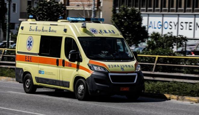Ασθενοφόρο στην Αθήνα