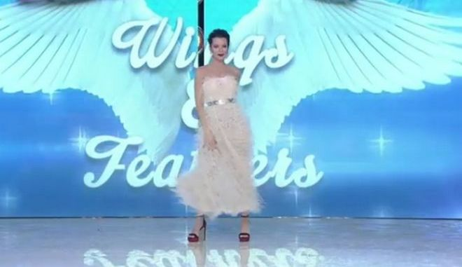 My Style Rocks - Gala: Φτερά και πούπουλα με τη Νικολέττα Ράλλη