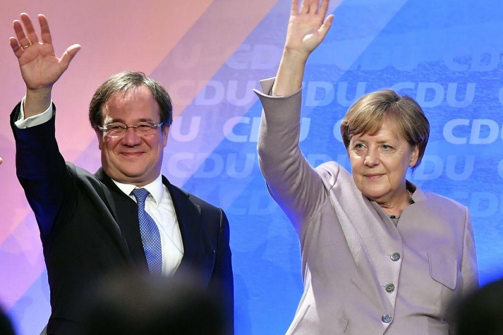 Η Άνγκελα Μέρκελ με τον νέο επικεφαλής του CDU, Άρμιν Λάσετ