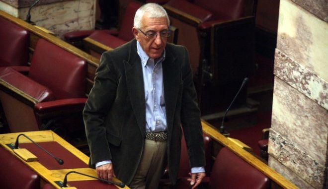 ΑΘΗΝΑ-Συζήτηση για την πρόταση μομφής που κατέθεσε ο ΣΥΡΙΖΑ κατά του προεδρείου της Βουλής// ΣΤΗ ΦΩΤΟΓΡΑΦΙΑ  Ο ΑΝΕΞΑΡΤΗΤΟΣ ΒΟΥΛΕΥΤΗΣ ΝΙΚΗΤΑΣ  ΚΑΚΛΑΜΑΝΗΣ.(EUROKINISSI-ΑΛΕΞΑΝΔΡΟΣ ΖΩΝΤΑΝΟΣ)