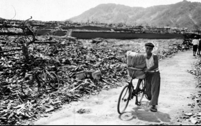Το Ναγκασάκι μετά την ατομική βόμβα τον Σεπτέμβριο του 1945