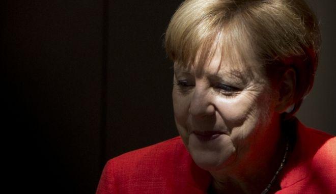 Το πολιτικό μέλλον της Άγγελας Μέρκελ κρίνεται σήμερα από τους εταίρους της στην Ένωση Χριστιανοκοινωνιστών (CSU)