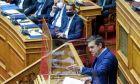 Ο Αλέξης Τσίπρας στο Βήμα της Βουλής.