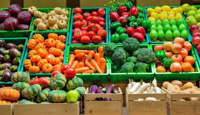 Πετρελαιοειδή, φρούτα και λαχανικά πρωταγωνιστούν στις ελληνικές εξαγωγές