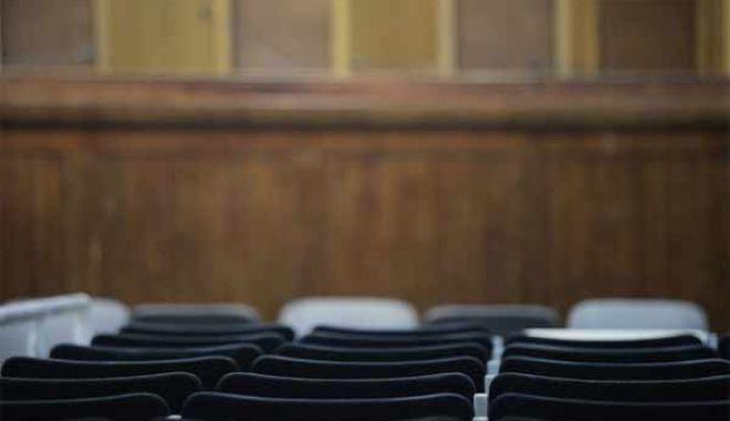 Αναστολή του αναβολόσημου ζητούν οι δικηγόροι