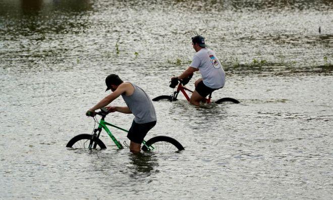 Καταστροφές από τον τυφώνα Άιντα