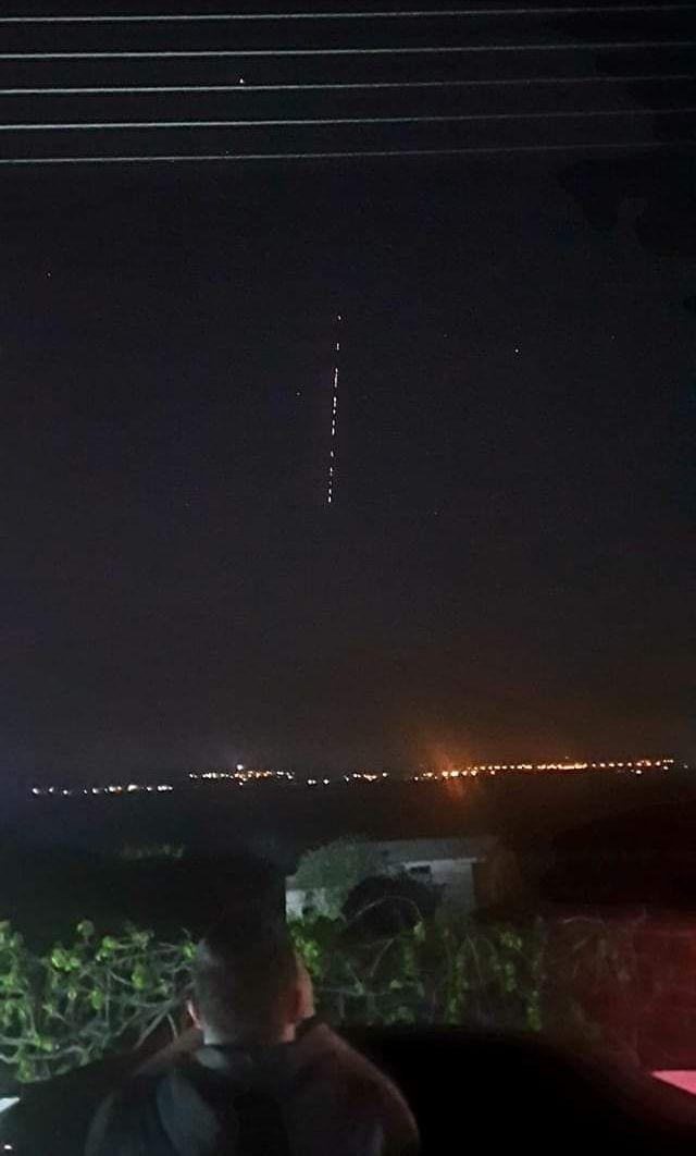 Ξάνθη: Φωτεινά αντικείμενα στον ουρανό αναστάτωσαν τους κατοίκους