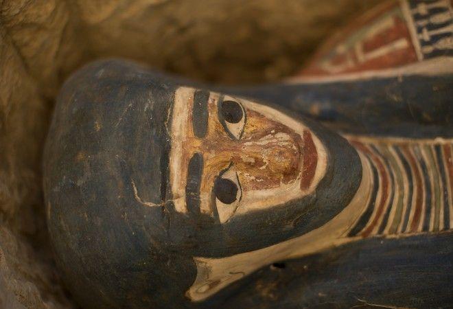 Σαρκοφάγος από τις πυραμίδες στο Νταχσούρ της Αιγύπτου οι οποίες άνοιξαν για πρώτη φορά για το κοινό από το 1965