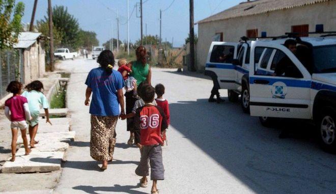 Θρίλερ στη Σπάρτη: Ρομά εμφάνιζαν ως δικά τους δύο 4χρονα παιδιά