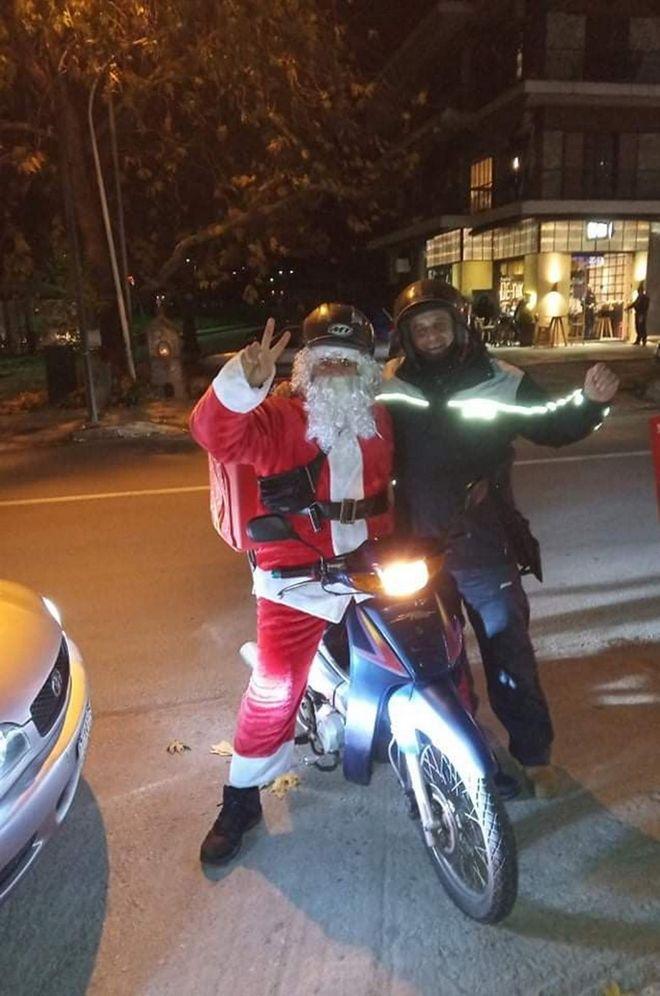 Στη Λάρισα ένας ντελιβεράς, φέτος τα Χριστούγεννα, μοίρασε... πίτσες - Η συγκινητική ιστορία