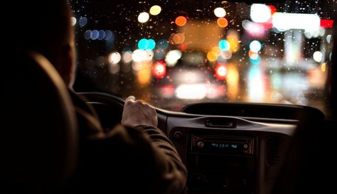 Οδήγηση τη νύχτα