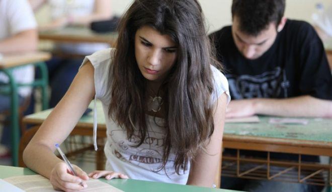 Έναρξη Πανελληνίων Εξετάσεων-1ο Γενικό Λύκειο Αργυρούπολης.(EUROKINISSI-ΓΙΑΝΝΗΣ ΠΑΝΑΓΟΠΟΥΛΟΣ)