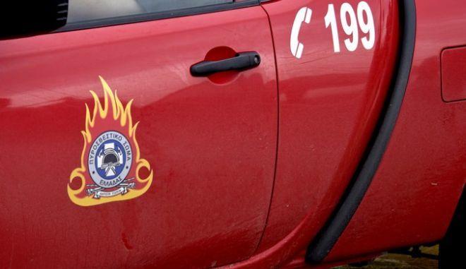 Υπό έλεγχο η φωτιά στην βιοτεχνία επίπλων στο Σχηματάρι-Από τζάμια τραυματίστηκε ο ιδιοκτήτης
