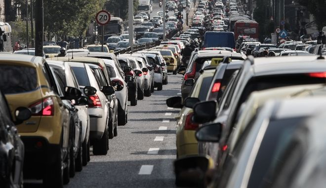 """Κίνηση στους δρόμους: Ποιες περιοχές είναι στα """"κόκκινα"""""""